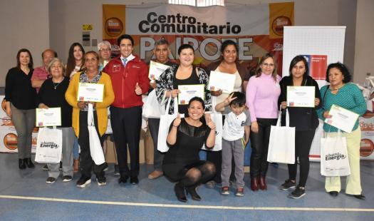 Más de 200 familias de Copiapó y Tierra Amarilla recibieron ampolletas LED