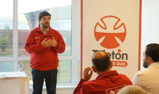 Subsecretario de Energía lidera Taller de Actualización de la Política Energética y firma acuerdo para instalar paneles solares en la  sede de Teletón de Valdivia