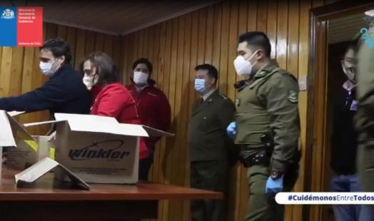 Seremi de Gobierno y de Energía apoyan en la entrega de insumos de protección personal para la Prefectura de Carabineros de Llanquihue
