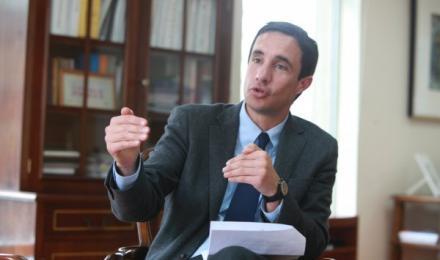 Ministro de Energía se refiere a baja en el precio de los combustibles anunciado por ENAP