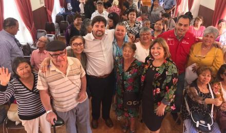 Subsecretario de Energía se reúne con adultos mayores de Calama y María Elena para explicar Agenda S...
