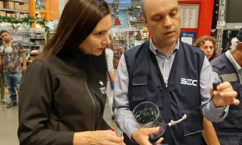 Autoridades llaman a comprar productos certificados con sello SEC en la región de Valparaíso