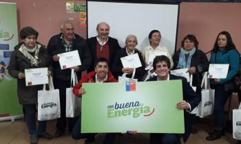Programa Con Buena Energía benefició a 200 familias de Chancón con ampolletas led para ahorrar en las cuentas...