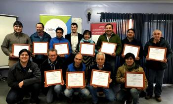 Certifican a 26 comerciantes para ser operadores de maquinaria para cortar leña