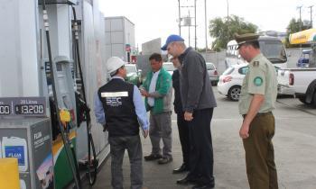 Autoridades llaman a planificar los viajes y cotizar precios de bencinas en la región de Los Lagos