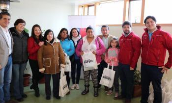 Subsecretario de Energía entrega cerca de 100 kit de ahorro energético a las familias del sector Alerce de Pue...