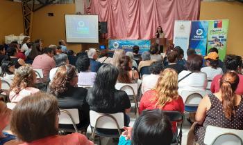 Seremi de Energía encabezó capacitación y entrega de kits eficientes en sector de Chorrillos