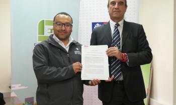 Seremi de Energía firmó convenio con asociación gremial AGEMIRA para apoyar la gestión energética de sus socio...
