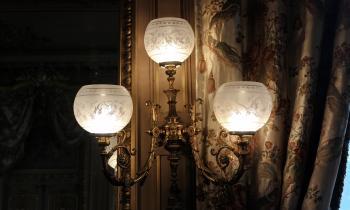Más de 900 luminarias LED renuevan el palacio Cousiño